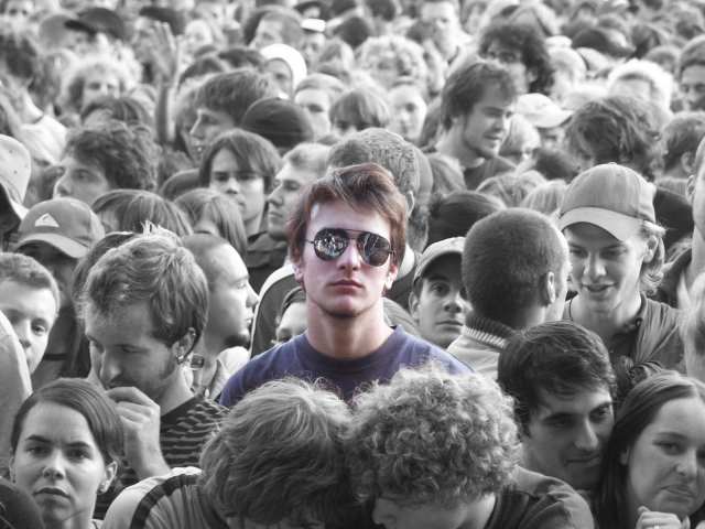 alone_in_the_crowd_by_cunny1988.jpg